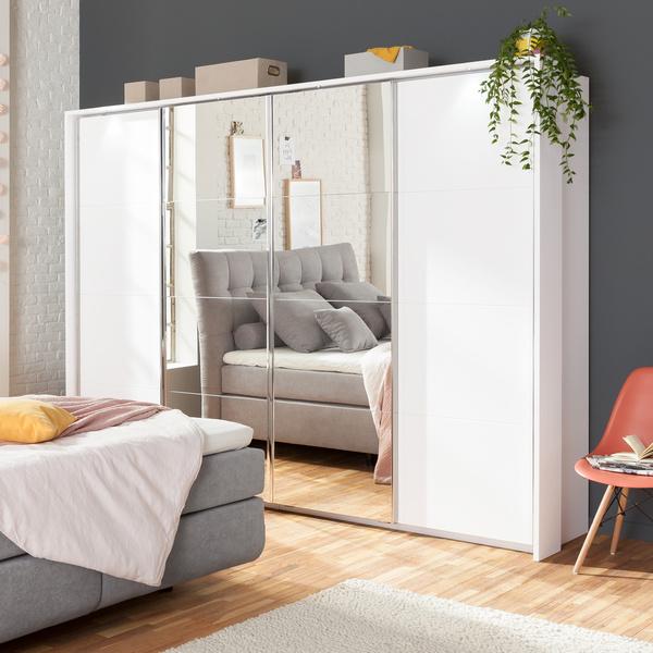 Kleider- & Schlafzimmerschränke