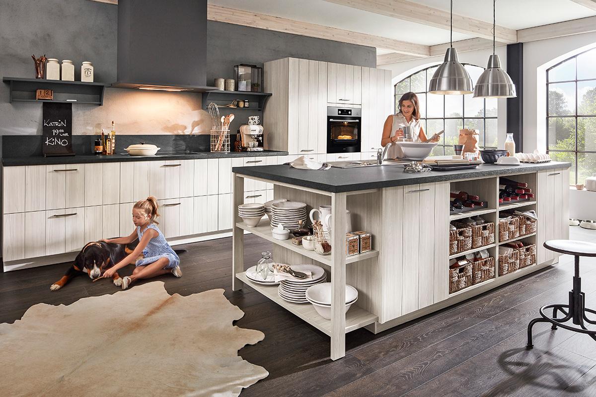 2 zeilen k che abverkauf k che im dachgeschoss wasserhahn lidl unterschrank 70 cm fahrbare. Black Bedroom Furniture Sets. Home Design Ideas